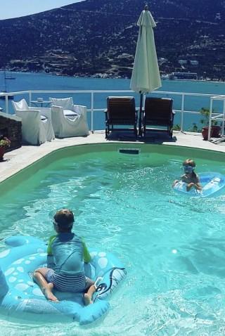 facilities niriedes hotel kids in pool