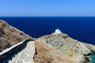 sifnos island niriedes hotel church