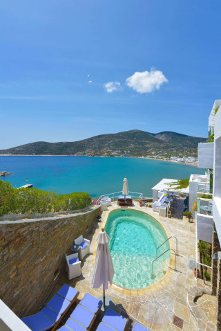 standard suite niriedes hotel swimming pool