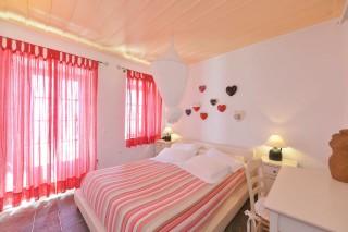 superior-suite-niriedes-hotel