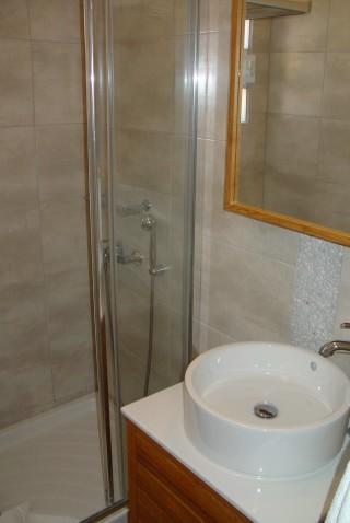 nefeli guesthouse sifnos bathroom