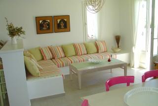 nefeli guesthouse sifnos sofa