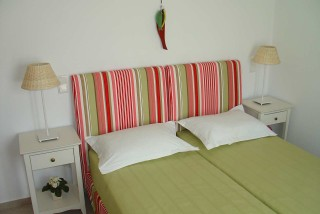 nefeli guesthouse sifnos upper floor bed