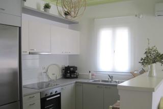 nefeli house niriedes kitchen