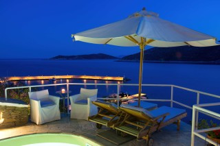 sifnos-luxurious-suites-niriedes